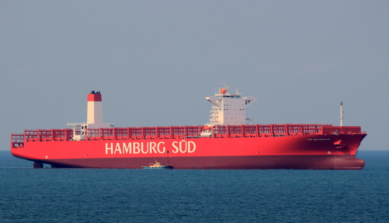 hamburg s d receives record reefer container ship cap san nicolas 9 669 teu kramer group. Black Bedroom Furniture Sets. Home Design Ideas